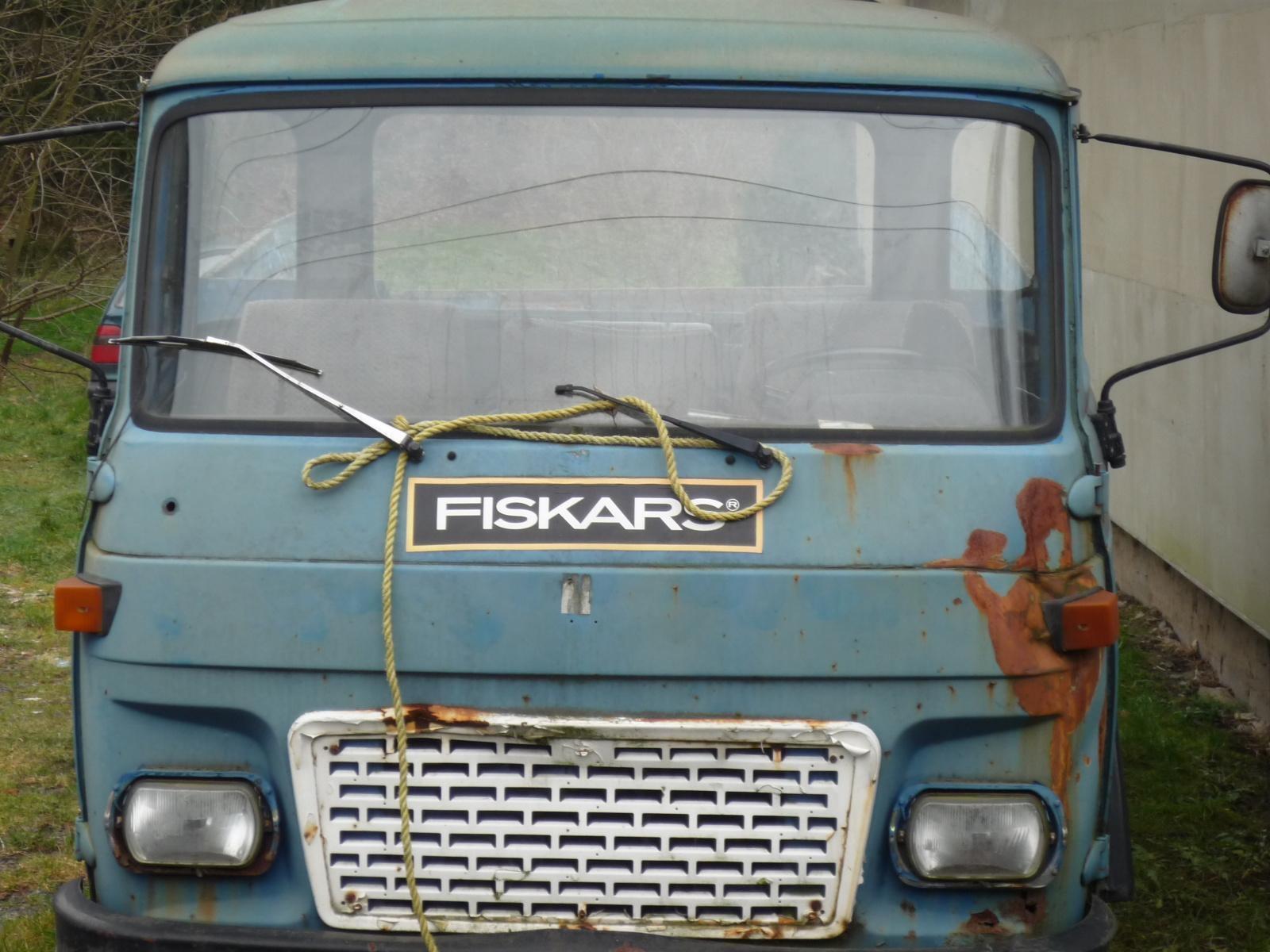 2-fiskars-truck