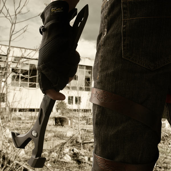 Dead On Annihilator Superhammer – přežijte Zombie Apokalypsu