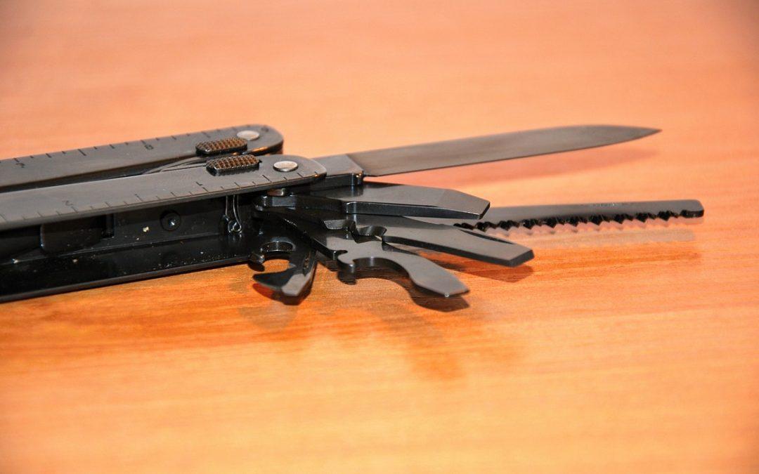 Recenze: Victorinox SwissTool (černé NATO provedení) – první dojmy