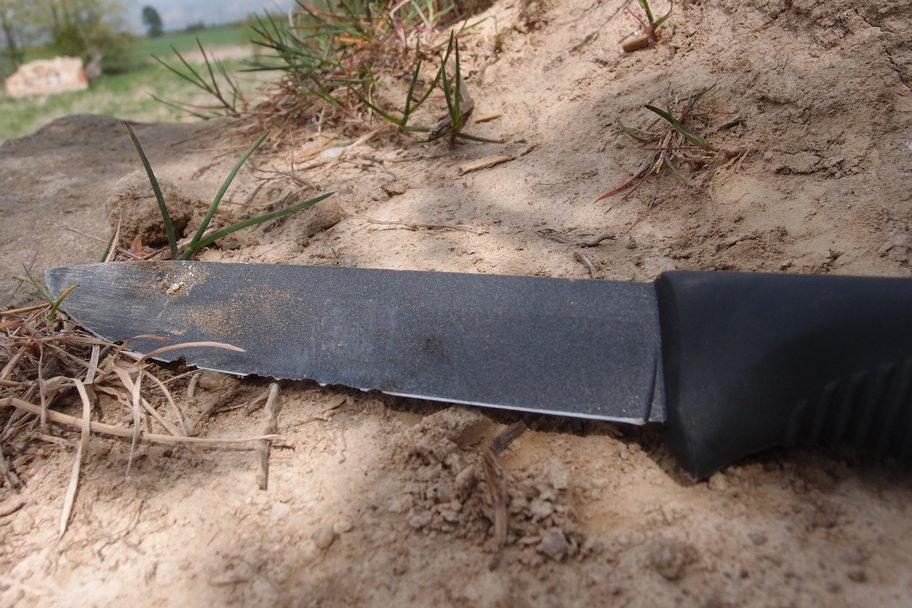 Crash test: Bojový nůž finské armády Sissipuukko M95