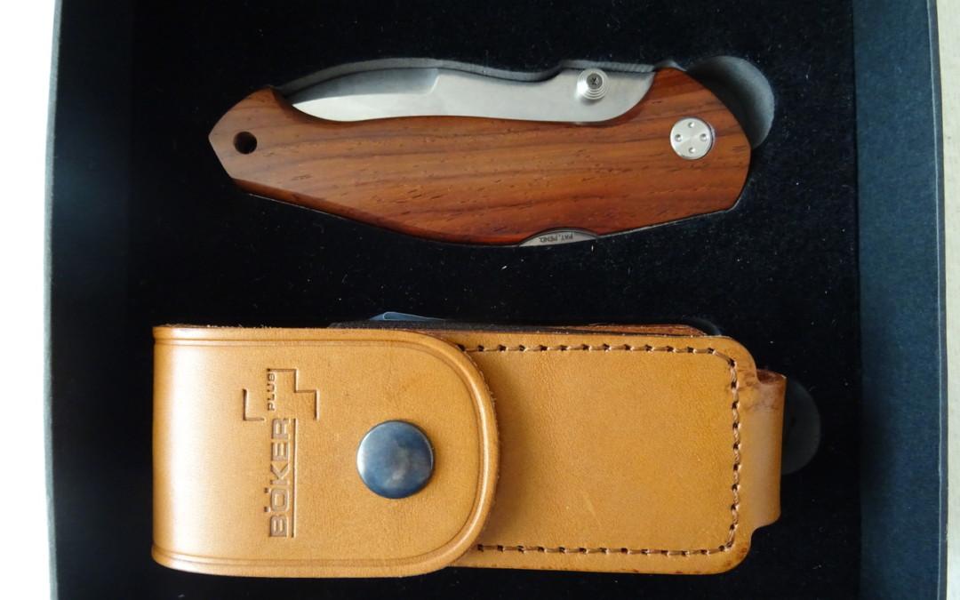 Týmový výprodej – nože, oblečení a jiné užitečnosti