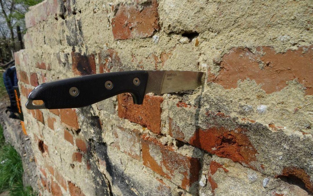 Crash test: Nůž Mikov Patron