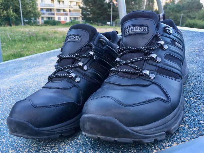 Na celokožené boty jsou opravdu poměrně lehké (465 gramů) 95c2090e56